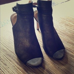 Franco Sarto metallic dress shoe